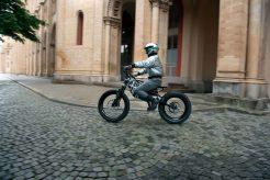 BMW-Motorrad-i-Vision-AMBY-02