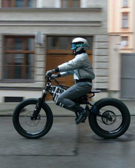 BMW-Motorrad-i-Vision-AMBY-03
