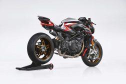 MV-Agusta-Brutale-1000-Nurburgring-racing-03