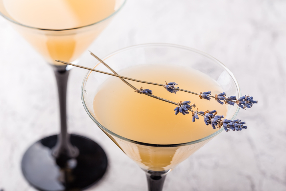 3 Oscar-Worthy Low-Calorie Cocktails