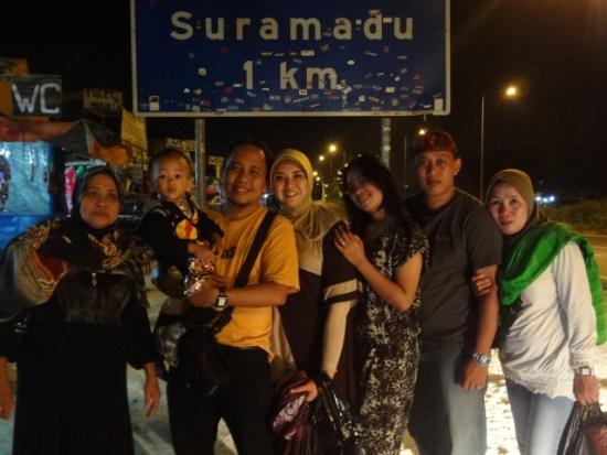 Malam Hari di Jembatan Suramadu