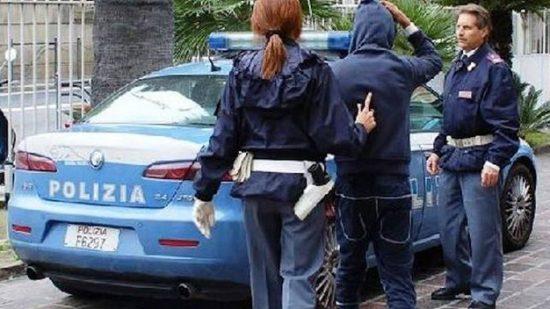 الشرطة الإيطالية تلقي القبض على ستة من عناصرها لهذا السبب