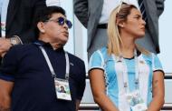 مارادونا يعرض تدريب منتخب بلاده مجانا