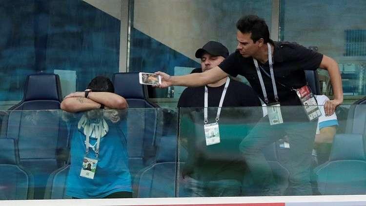 نقل مارادونا إلى المستشفى بسبب مباراة الأرجنتين ونيجيريا