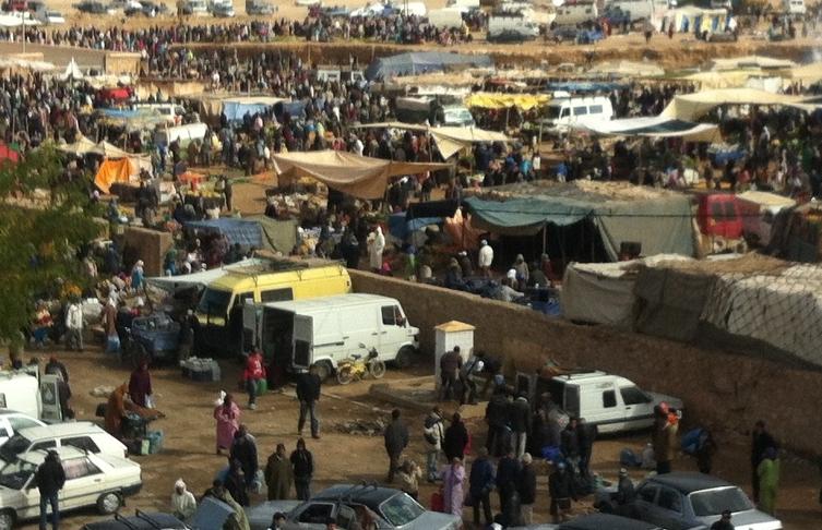 """""""سوق الإثنين"""" في برشيد فوضى عارمة وتهديد خطير لصحة المواطنين والبيئة"""