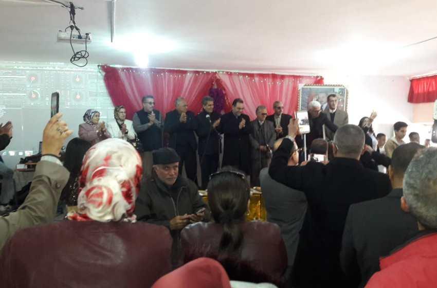 """ثانوية """"الجولان"""" التأهيلية بالمحمدية تحتفي بالمتقاعدين والمتفوقين"""