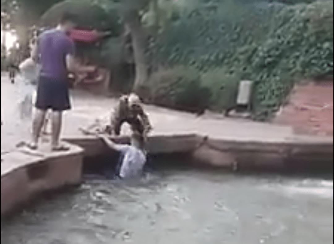 فيديو يوثق لحظة إنقاذ طفلة من الغرق بشلالات عين اسردون ببني ملال