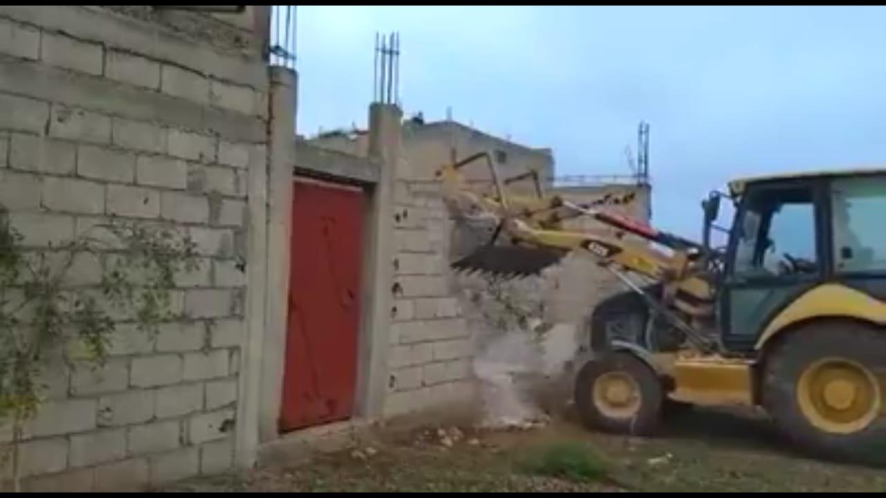 خطيب الهبيل يحارب البناء العشوائي ببني ملال ..ويعزل 5 أعوان سلطة