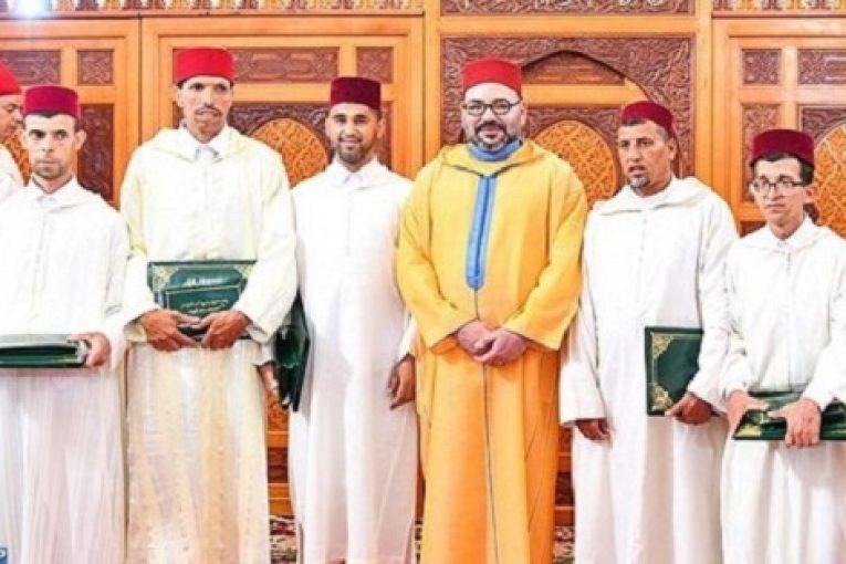 الملك يسلم جائزة محمد السادس لمحاربة الأمية بالمساجد