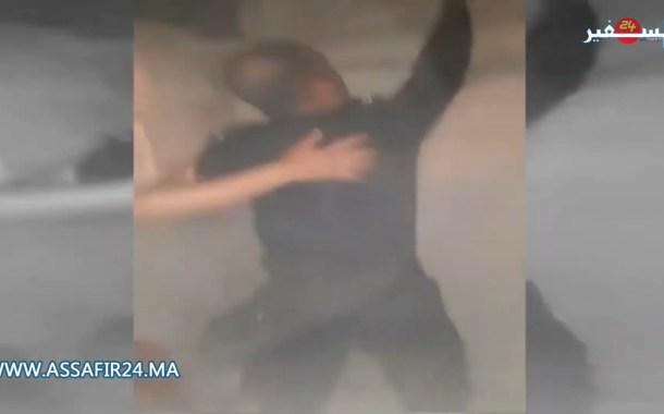 بالفيديو: شرطي يغامر بحياته بحثا عن ضحايا حريق بحي