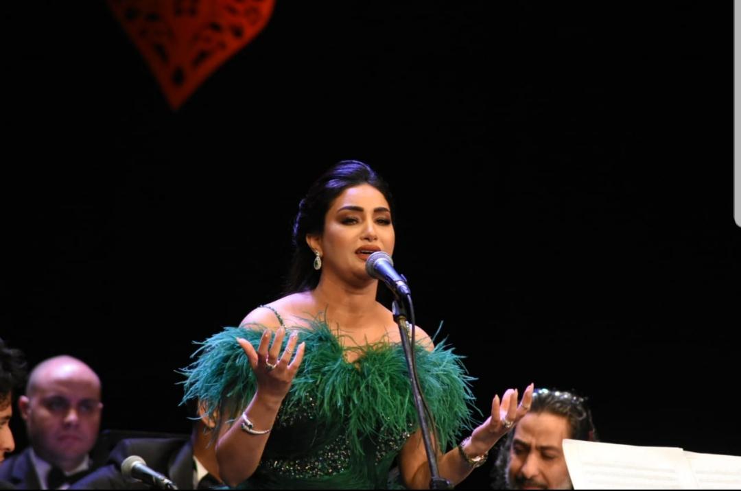 أسماء لزرق تكسر القاعدة و تغني للمرة الثانية في دار الأوبرا المصرية