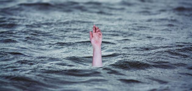 البحر يلفظ جثة شخص في شاطئ مدينة طنجة