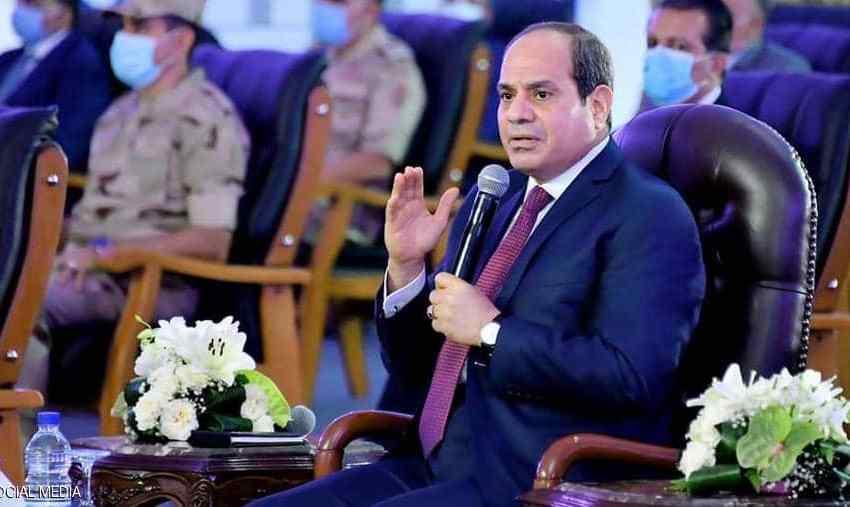 """السيسي يحذر من """"خطر يفوق الإرهاب"""" ويكلف الجيش بالتدخل"""