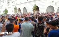 الشعب يريد تطبيق الاعدام.. هكذا مرت المسيرة الحاشدة التضامنية مع الطفل الراحل عدنان