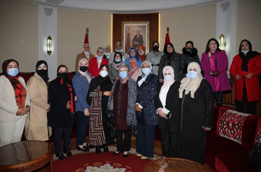 مجموعة العمل الموضوعاتية المكلفة بالمساواة والمناصفة بمجلس النواب تتباحث مع وفد برلماني نسائي ليبي حول قضايا المرأة