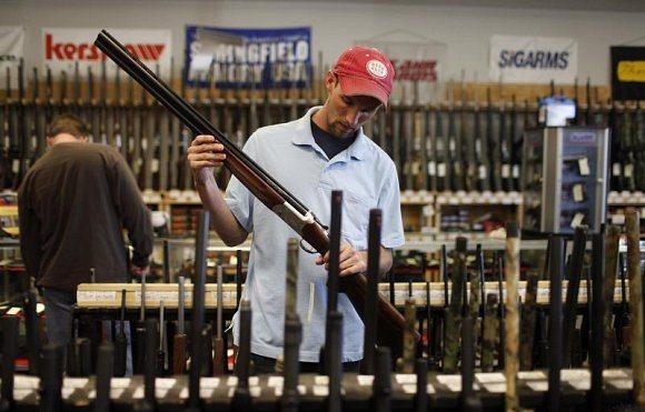 مبيعات قياسية للأسلحة قبيل الانتخابات الرئاسية الأمريكية