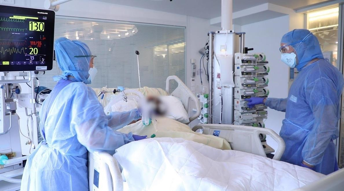 خبير يكشف أسباب ارتفاع حالات الوفيات بكورونا