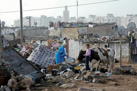 جائحة كورونا تدفع أكثر من مليون مغربي نحو الفقر