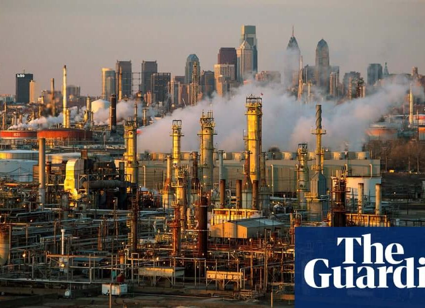 10 US oil refineries exceeding limits for cancer-causing benzene, report finds