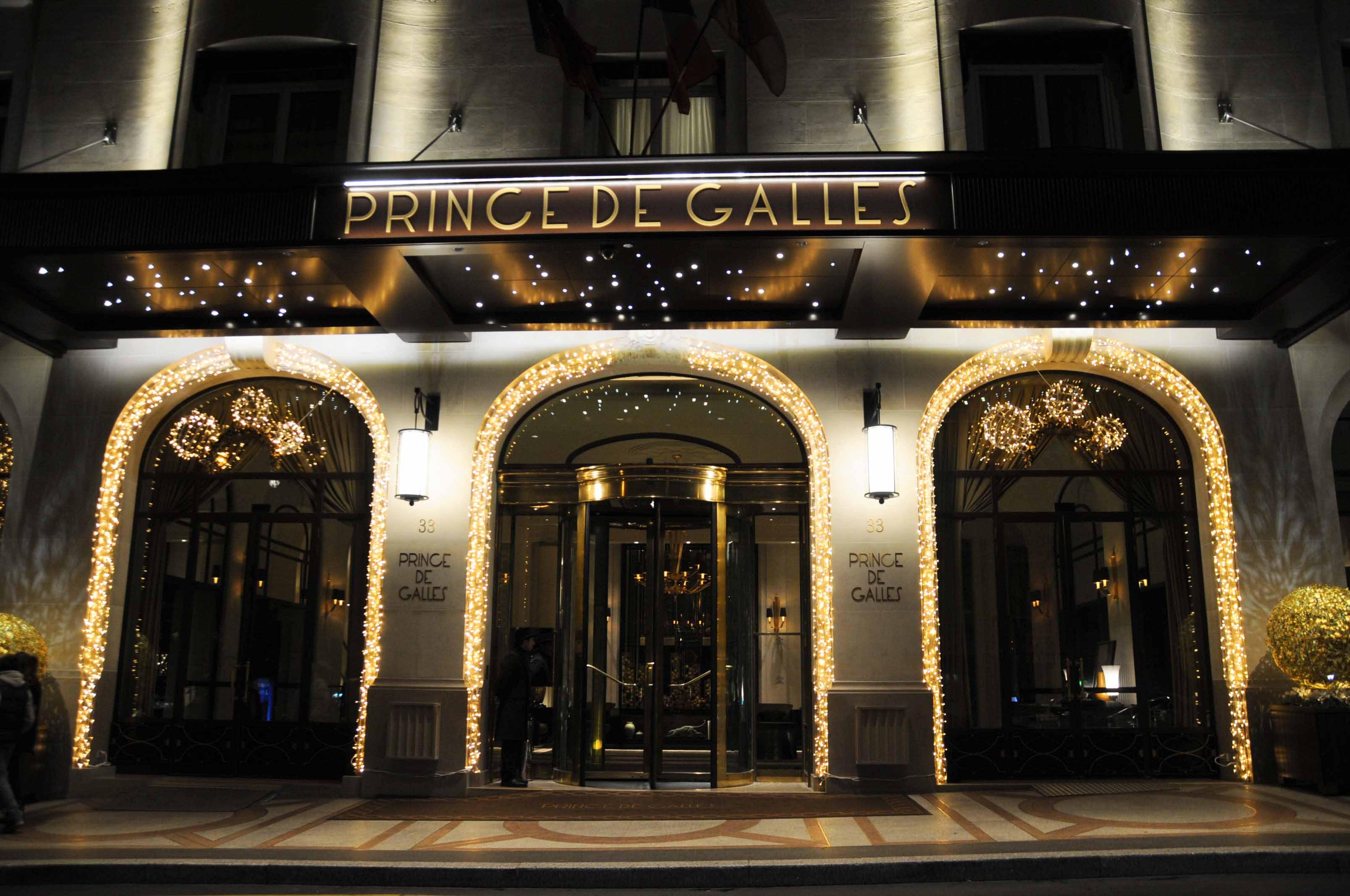 Dner Au Restaurant La Scne Prince De Galles Par