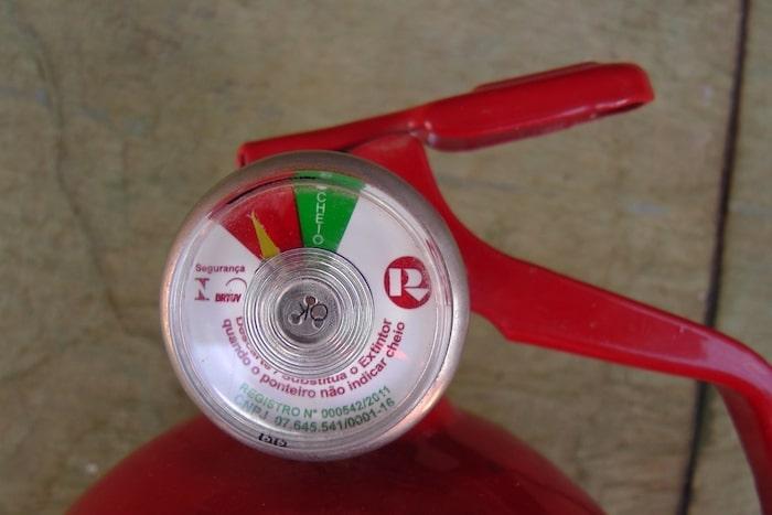extintor de incêndio vazio