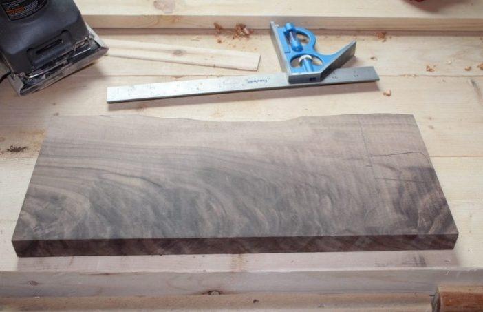 pedaço de madeira cortado