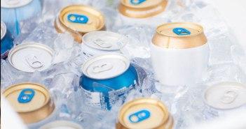 latas no gelo