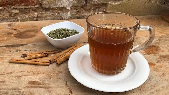 chá de canela e orégano