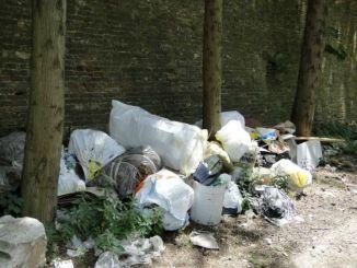 """Lega Nord Assisi lancia progetto """"Guadagnare dalla spazzatura si può"""""""