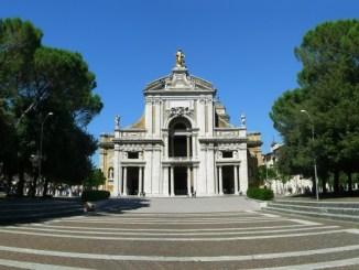 Stop alla guerra ad Assisi ebrei, musulmani e cristiani per pregare e dialogare