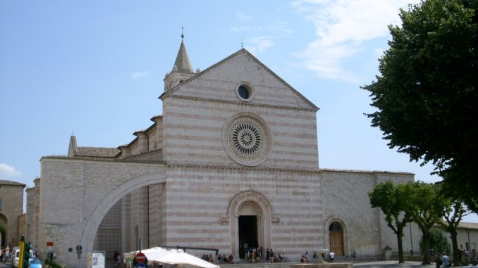 Santa Chiara, basilica