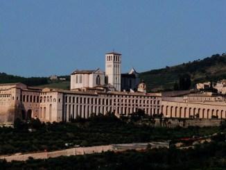 """E' morto il """"Poeta"""" di Assisi, non si vedeva da giorni"""