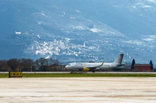 04_Vueling_Aeroporto_Perugia_Barcellona_El_Prat