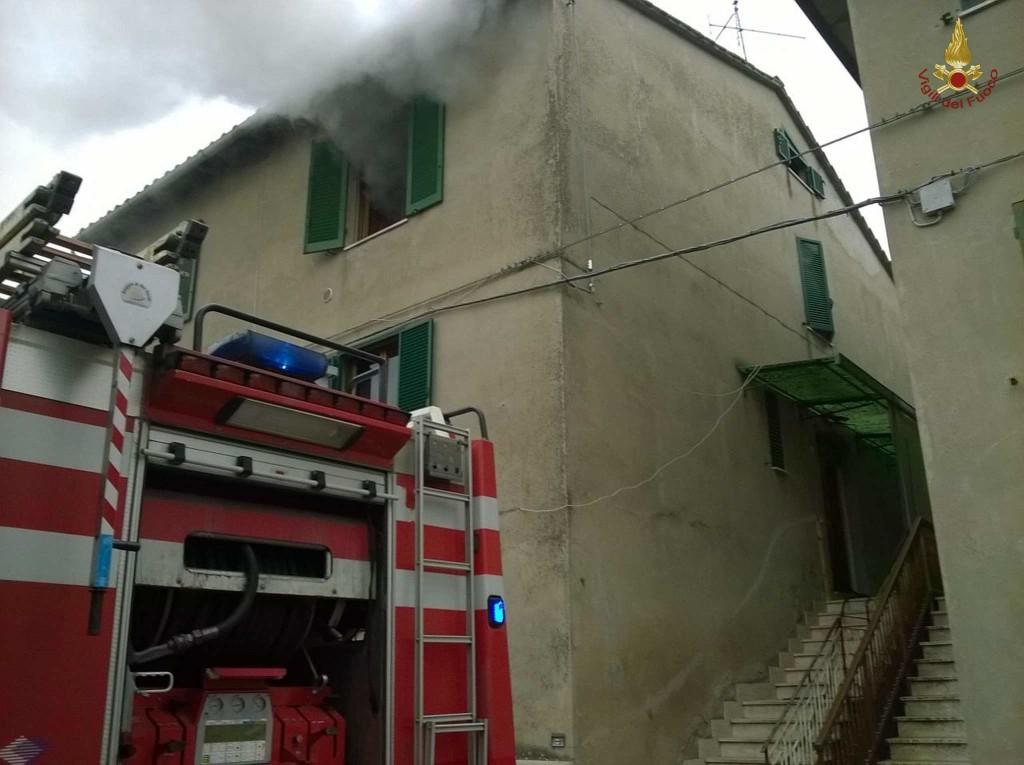 incendio-petrignano-d-assisi (1)