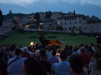 Assisi, alba a ferragosto
