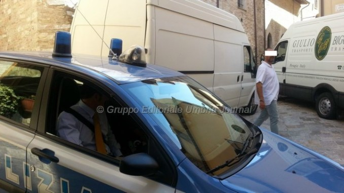 Stalker arrestato ad Assisi, ha aggredito vittima nonostante divieti
