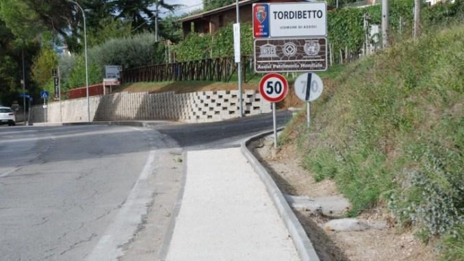 Tordibetto, completato il marciapiede