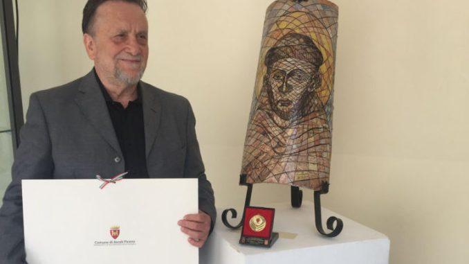 Assisi, riconoscimento a illustre ceramista assisano
