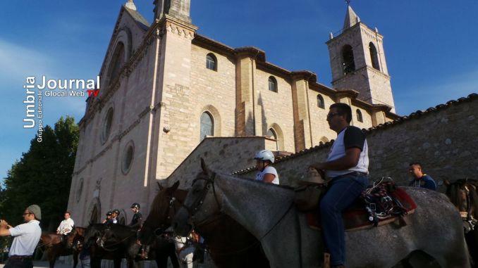 Cavalcata di Satriano, la storia di Francesco ammalato e la riconciliazione con Assisi [FOTO E VIDEO]