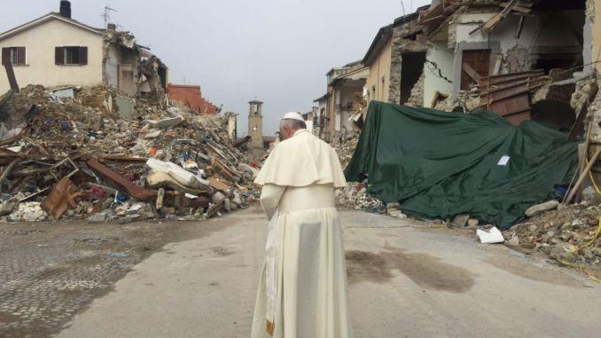 Papa Francesco ad Assisi nel giorno del Santo Patrono d'Italia