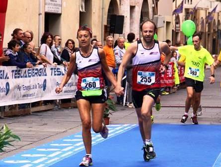 Giovani sposi di Assisi Runners insieme alla Maratona di New York