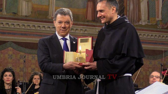 Donata al Premio Nobel per la Pace la lampada di San Francesco