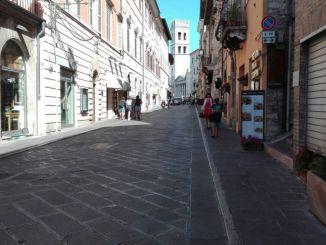 Assisi, il coronavirus frena il turismo ma non la Tari