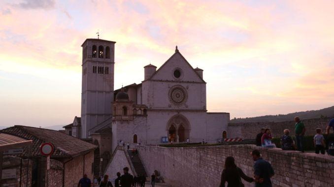 Coronavirus, nuovi casi ad Assisi, altri 6 in ambiente religioso