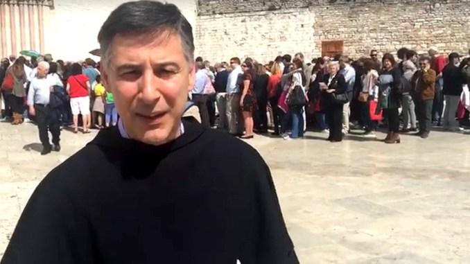 """A Enzo Fortunato il premio """"ComunIcare 2019"""" di Cava de' Tirreni"""