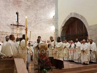 La Spogliazione di Francesco, con la Santa Messa inaugurato il Santuario