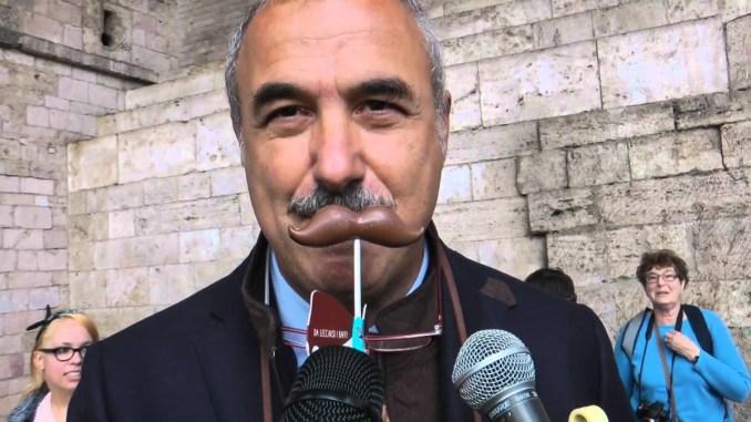 Chiesta sfiducia Eugenio Guarducci, Centrodestra attacco su UniversoAssisi