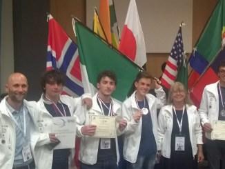 Studente Liceo Scientifico Assisi secondo alle Olimpiadi scienze della Terra