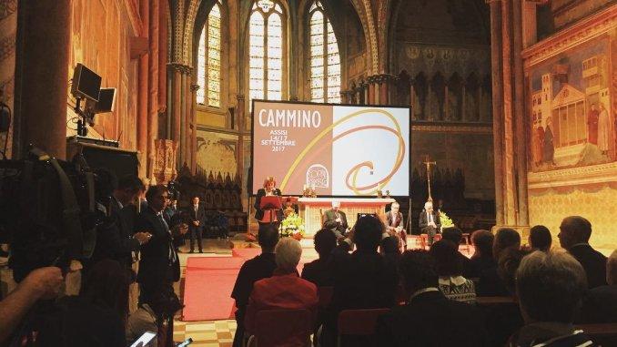 Catiuscia Marini, Cortile di Francesco, Assisi, Umbria accoglie e non rifiuta
