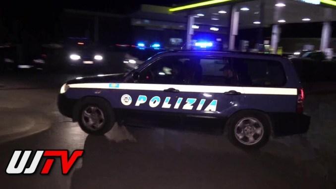 Incidente a Santa Maria degli Angeli, auto si ribalta, un ferito